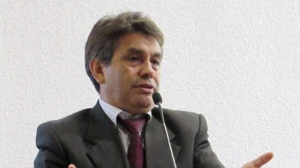 El fiscal supremo dijo que convocará a una junta de fiscales extraordinaria para revisar la medida impuesta por Rafael Vela.