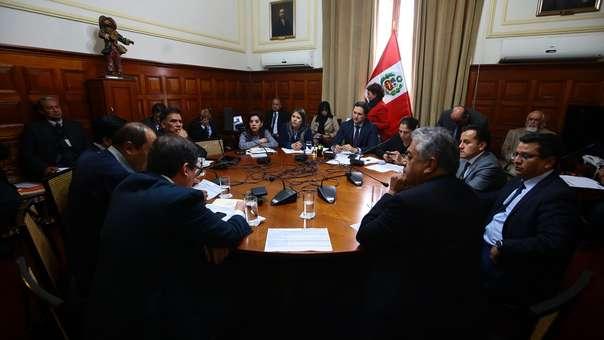 Presidente del Congreso convocó a la Junta de Portavoces.