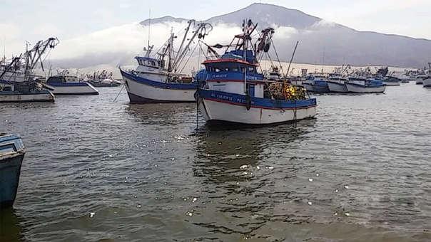 Los titulares de las embarcaciones con permiso de pesca vigente deberán observar las disposiciones previstas en el Reglamento del Sistema de Seguimiento Satelital.