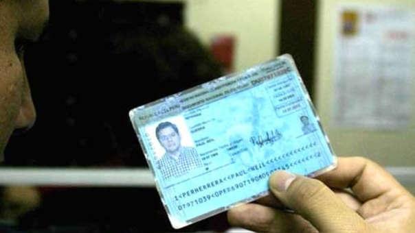 Crisólogo Cáceres señaló que cualquier requerimiento del DNI distinto a las dos excepciones mencionadas es ilegal.