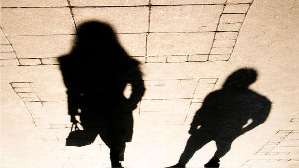 Municipalidad de Lima emitió decreto que sanciona a quienes cometan o toleren el acoso sexual.
