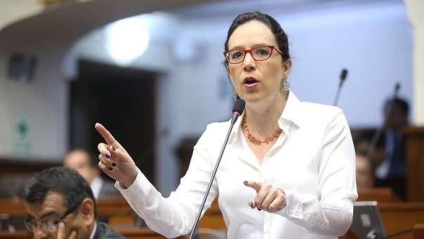 La congresista Marisa Glave hizo una denuncia en sus redes sociales.