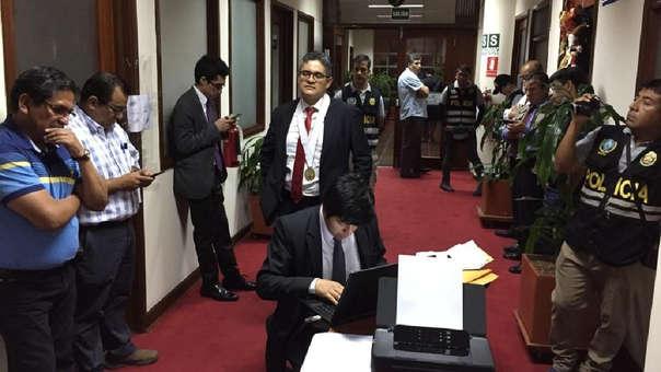 José Domingo Pérez dirigió la diligencia, llevada a cabo dentro de la sede principal del Ministerio Público.