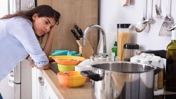 Brecha de género en el hogar: una forma de violencia diaria