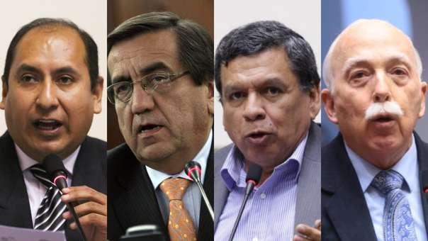 Congresistas expresaron su posición tras medida de Martín Vizcarra.