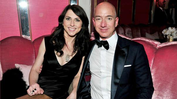 Jeff Bezos y MacKenzie Bezos, quienes anunciaron su divorcio esta semana. Tras este reporte, medios estadounidenses comenzaron a informar sobre el 'affaire' del empresario con una periodista.