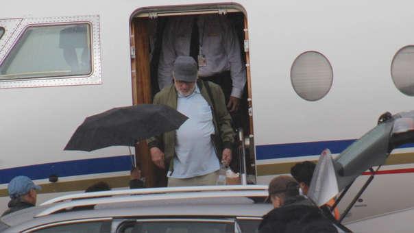 Robert De Niro llegó a Cusco a bordo de un avión privado en la tarde del sábado.