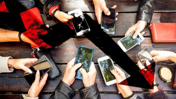 Las personas prefieren conservar por más tiempo sus celulares.