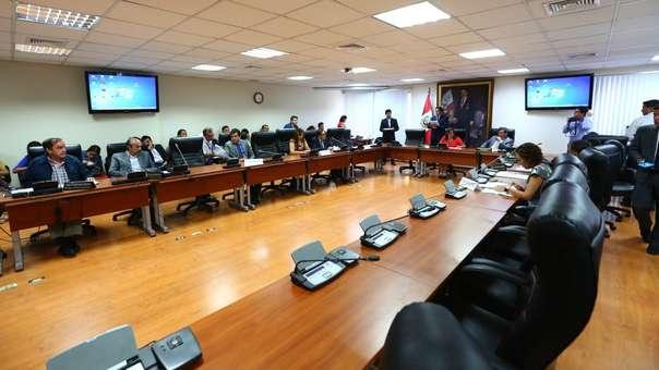 La Comisión de Ética evaluó este lunes la denuncia de la congresista Paloma Noceda contra su colega Luis López Vilela.