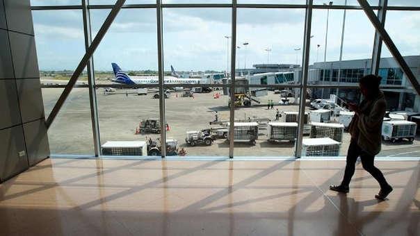 El peruano fue aprehendido por unidades policiales del Departamento de Seguridad Aeroportuaria tras realizarle una prueba de escáner, que reveló cuerpos extraños en el interior de su organismo.