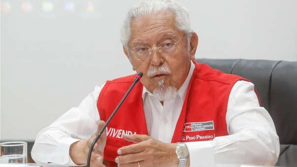 Ministro Javier Piqué participa en la Comisión de Defensa del Consumidor del Congreso para explicar aniego suscitado por tubería matriz de alcantarillado colapsada en SJL.