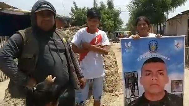 La familia del presunto delincuente abatido protestó en el lugar donde le dispararon.