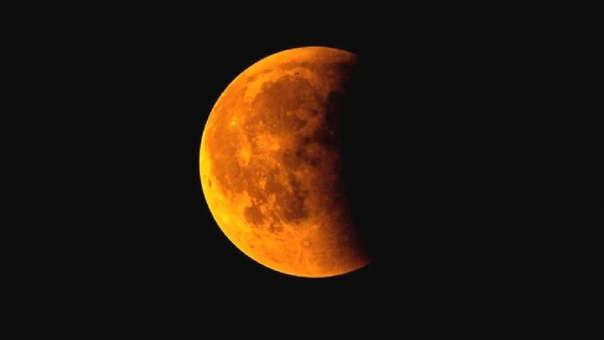 La Superluna roja podrá verse esta noche.