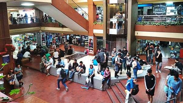 Un sábado por la tarde en el Centro Comercial Arenales