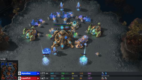 Una captura de la partida entre AlphaStar y TLO.