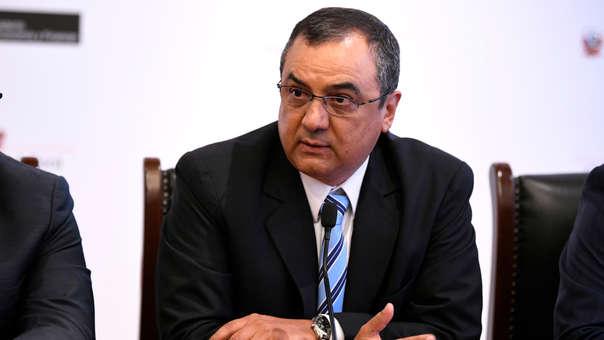 El ministro del Economía y Finanzas espera que se apruebe el Decreto Supremo que establecerá los parámetros para revisar y aumentar las remuneraciones de los alcaldes.