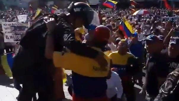Policías bolivarianos
