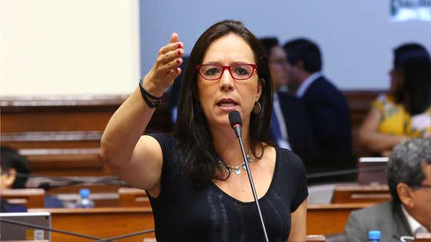 La congresista ha venido sufriendo una serie de ataques vía Facebook.