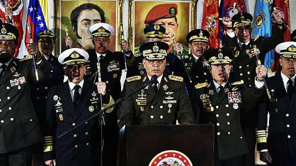 El ministro de Defensa, Vladimir Padrino, junto a altos mandos militares fieles al régimen de Nicolás Maduro.