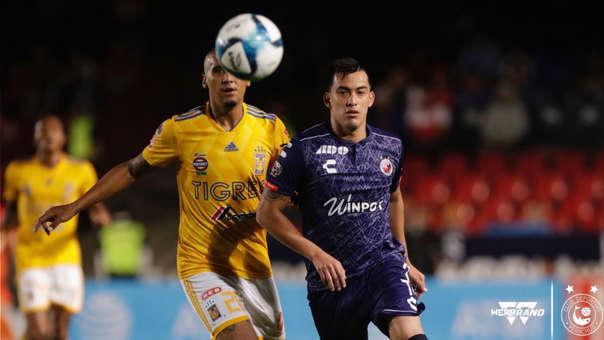 Iván Santillán debutó con Tiburones Rojos en la Liga MX ante Tigres