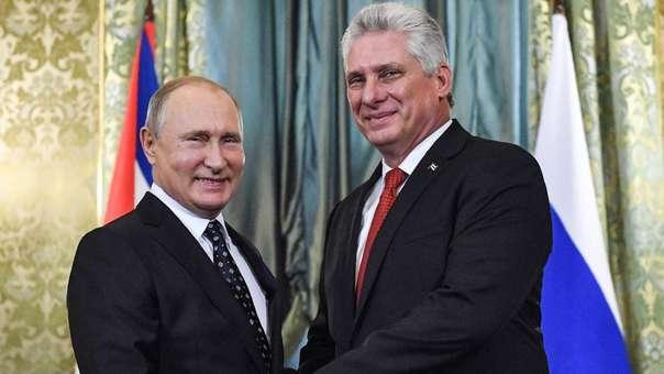 Vladímir Putin durante una reunión con el presidente de Cuba, Miguel Díaz-Canel