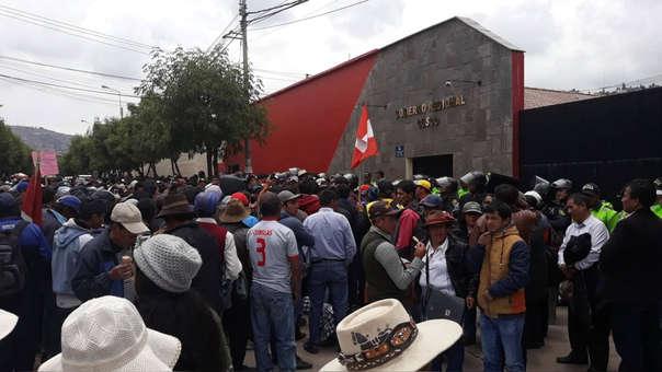 Protestas en el gobierno Regional de Cusco.