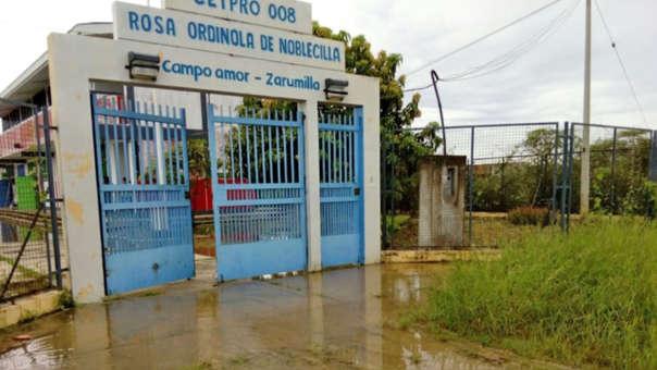 El ministro indicó que son cinco colegios que están inhabilitados tras intensas lluvias.