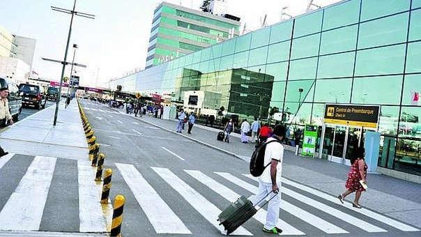 Operaciones aéreas se redujeron frente al cese de operaciones de algunas aerolíneas.