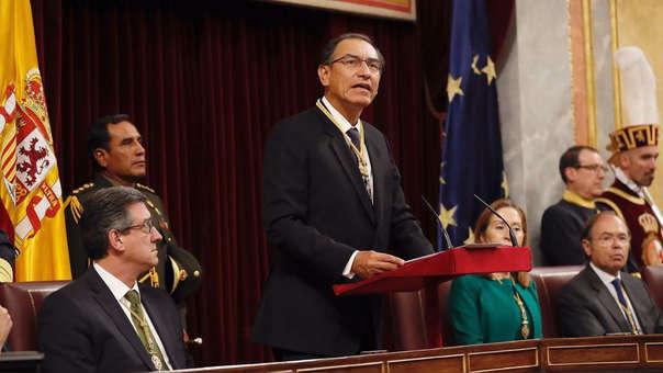 Martín Vizcarra ante el Congreso de España