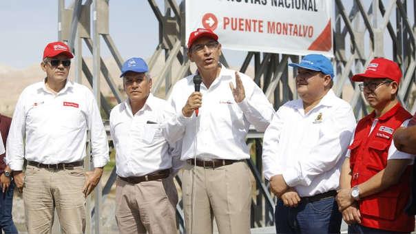 Martín Vizcarra verificó trabajos de recuperación en el puente Tucumán y lideró la reapertura del tránsito en el Puente Montalvo en la región Moquegua.