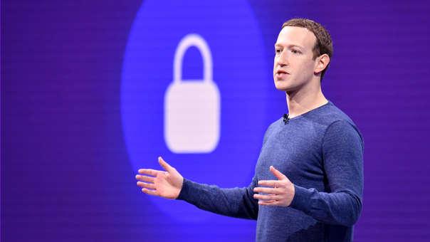 Facebook tiene más de 2 mil millones de usuarios mensuales.
