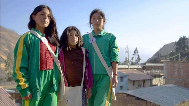 """""""Escúchame"""": proyecto documental visibiliza los desafíos que enfrentan las niñas rurales-andinas para acceder a educación"""