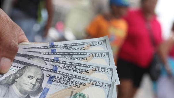 Pago de deuda en dólares