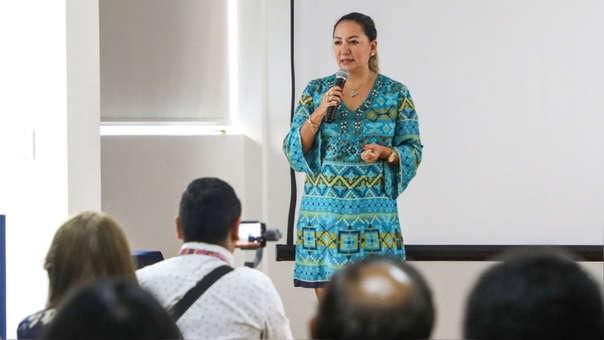Ministra Rocío Barrios