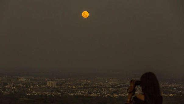 Desde diversos puntos del país se podrá apreciar este miércoles la 'superluna'.
