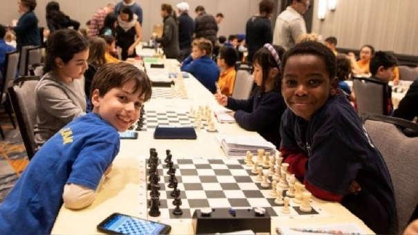 Tanitoluwa Adewumi en el torneo de ajedrez