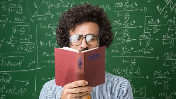 El físico brasileño busca reconciliar ciencia y religión