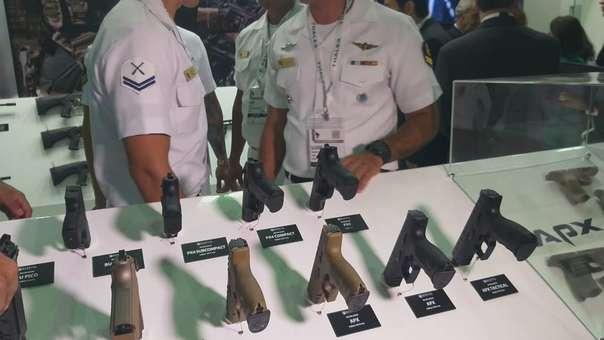 El arma fue robada momentos previos a la llegada de autoridades del país a la feria.