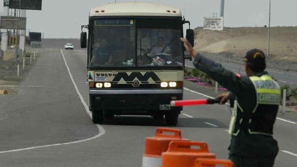 Según la Confederación de Transportistas Terrestres del Perú el sector es uno de los más gravados del país.