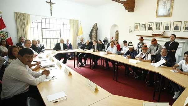 Reunión se lleva a cabo en sede de la Conferencia Episcopal Peruana.