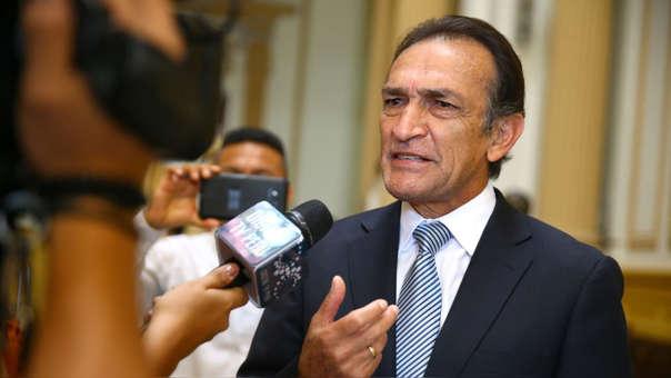 El congresistas Héctor Becerril ha sido relacionado con la organización criminal