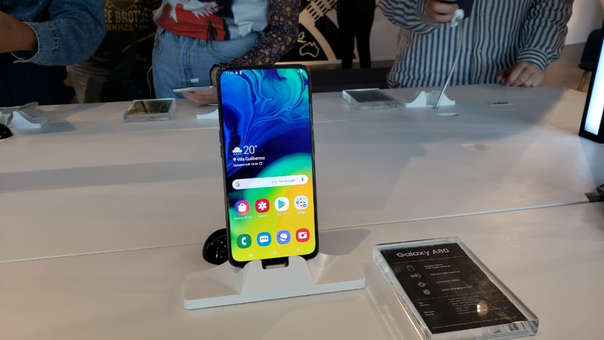 Así luce el A80 de Samsung