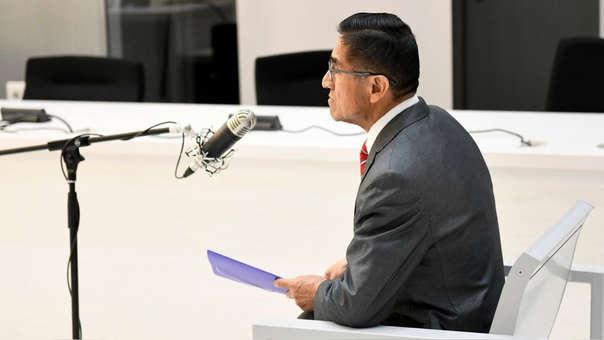 Fotografía de César Hinostroza tomada del monitor de la sala de prensa de la Audiencia Nacional