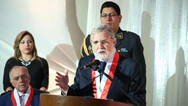 Ernesto Blume pidió diálogo alturado y civilizado para lograr el camino correcto para la solución de todos los problemas que atraviesa el país.