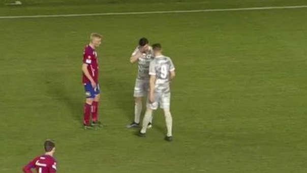 La mala fortuna acompañó a dos futbolistas del Degerfors de Suecia.