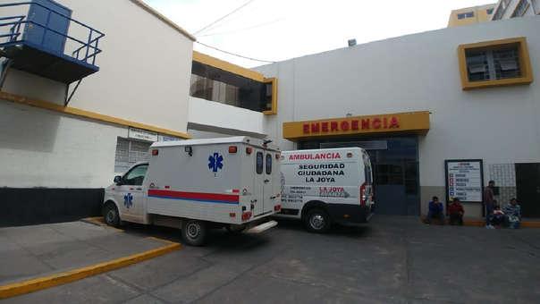 Adolescente se recupera en la unidad de emergencia del hospital Honorio Delgado.