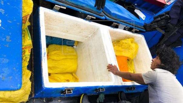 En la embarcación, con 5 tripulantes a bordo, se encontraron 9 toneladas de pesca diversa.