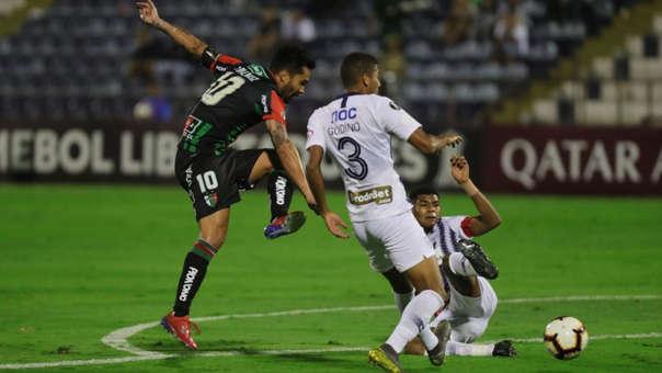 Alianza Lima vs. Palestino: Renato Tarifeño 'rompió' a Rossel y marcó este GOLAZO