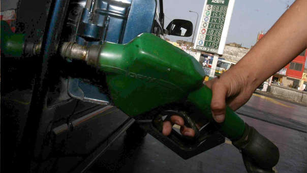 Alza de combustible