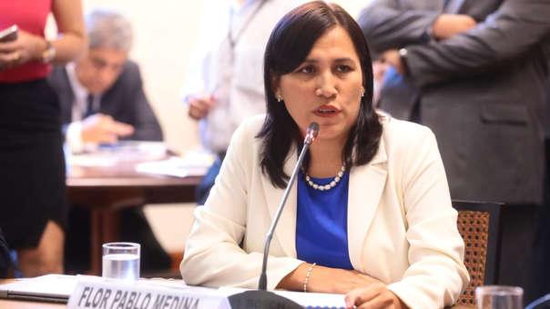 Flor Pablo: Se cancela licitación de textos de secundaria